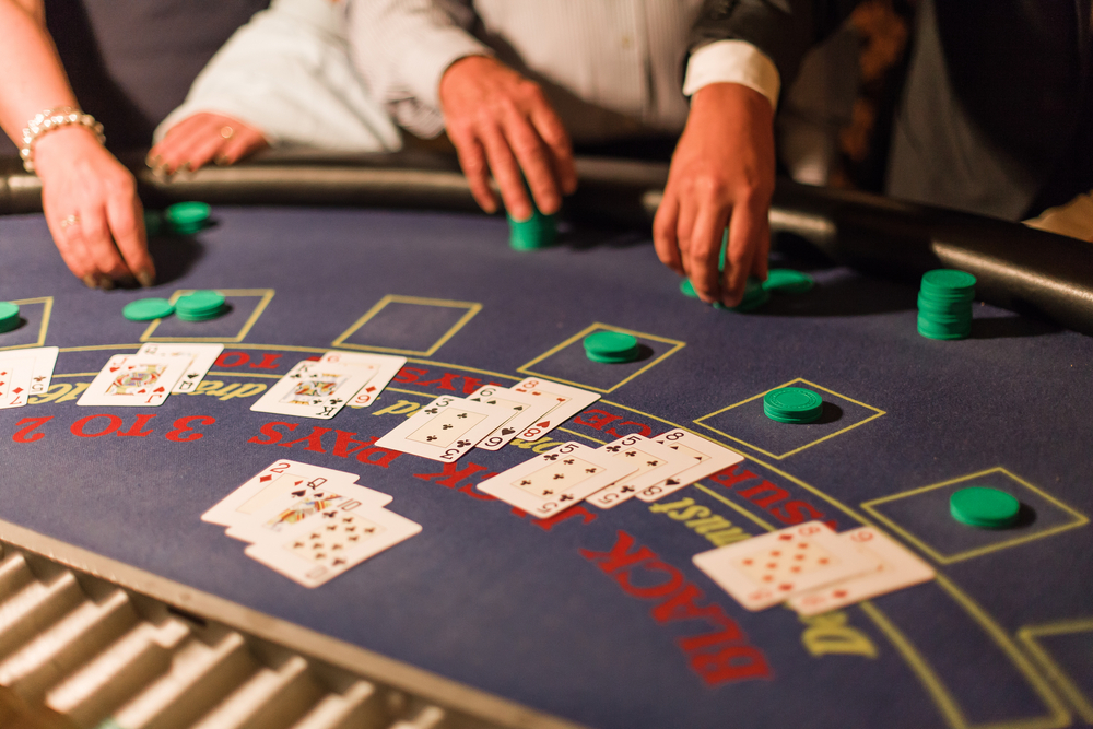 Online Blackjack With Live Dealers – There is a Table For Everyone